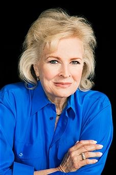 Candice Bergen, Los Angeles Times, April 5, 2015 Female Actresses, Actors & Actresses, Candice Bergen, 50 And Fabulous, Advanced Style, Young At Heart, Beautiful Outfits, Beautiful Clothes, Aging Gracefully