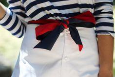 Navy and white stripes.with red. Prep Style, Style Me, Blue Style, Style Blog, Mode Bcbg, Estilo Preppy, Preppy Mode, Nautical Fashion, Preppy Fashion