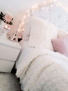 37 Beautiful Feminine Bedroom Decor Ideas - Page 7 of 41 Dream Rooms, Dream Bedroom, Girls Bedroom, Girl Rooms, Master Bedroom, My New Room, My Room, Bedroom Inspo, Bedroom Decor