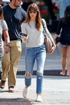 photo 41778502_jessica-biel-out-in-new-york-20170615-14_zpswtgopwcj.jpg