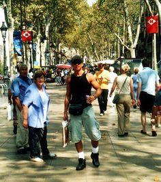 Mochilão de Ernesto Junior à Barcelona, Espanha, em 2001.