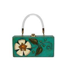 Enid Collins of Texas 1966-68 (untitled) papier-mâché box bag. #findingENIDwithLOVE #enidcollinsoftexas #enidcollins #collinsoftexas #papiermache #flower #puertorico #vintagebag #vintagestyle #vintagepurse #fashiondesigner #fashionart #1960s #art #anthropology