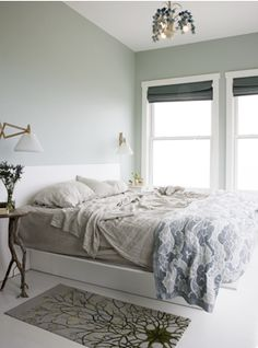 tranquil blue bedroom