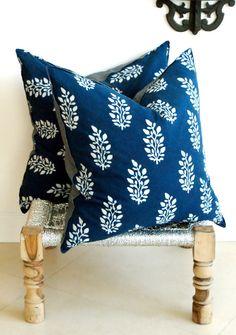 Indian Hand block Print Pillows Cushion Covers Organic Cotton and Organic Raw Linen Multiple Sizes Pair Blue and White Print Diy Cushion, Cushion Covers, Pillow Covers, Cushion Cover Designs, Indian Block Print, Indian Prints, Diy Pillows, Decorative Pillows, Throw Pillows