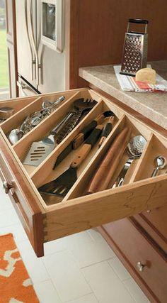 New Smart DIY Kitchen Organizing Ideas - Diy Kitchen Ideas 2019 Kitchen Drawer Dividers, Kitchen Drawer Organization, Diy Kitchen Storage, Kitchen Organization, Kitchen Organizers, Organizing Kitchen Cabinets, Organizing Drawers, Cabinet Organizers, Diy Organizer