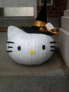 hello kitty pumpkin. Joss would love this!! hol-i-day-cel-e-brate-in-madonna-s-voice-thank-you