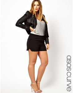 Plus size shorts by ASOS CURVE    Made from a soft woven poly fabricHigh rise waistTwin side pocketsNotched hemTailored cutRegular fitABOUT ASOS CURVECreated by our ASOS Design Team with our customer in mind, ASOS CURVE presents a collection of plus size clothing to complement the fuller figure.  Look to ASOS CURVE for carefully considered trend-led styles from our mainline range, cleverly adjusted for the most flattering fit. This season, update your wardrobe with chic skater dresses and…