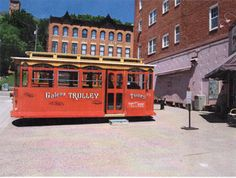 Trolley Tours of Galena - Historic Tours and Nighttime Haunted Tours Weekend Trips, Weekend Getaways, Haunted Tours, Haunted Places, Galena Illinois, Anniversary Getaways, Spring Break 2015, Mini Vacation, Vacation Ideas