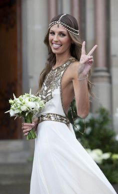 White and gold greek style dress + headpiece = charming boho look