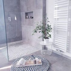 Kitchen Decorating and Remodeling Trends for Homeowners Kitchen Decorating and Remodeling Trends for Homeowners,Our House bathroom trends 2019 - minimalism Decor Bathroom Trends, Kitchen Trends, Bathroom Interior, Modern Bathroom, Bathroom Grey, Master Bathroom, Bathroom Ideas, Garden Bathroom, Family Bathroom