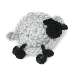 free crochet pattern for these cute sheep in Dutch - by H E L E N A * H A A K T ( SCHAAPJE HAKEN)