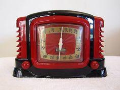 1940s Trietone Art Deco Century Bakelite Radio