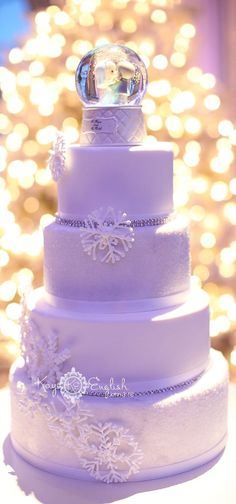 lavender winter wedding cake www.dreamyweddingideas.com