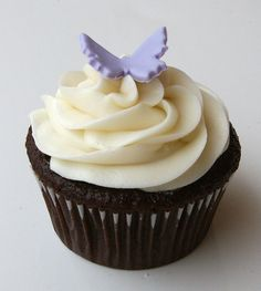 Butterfly cupcake with mini fondant butterfly topper