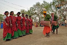 Santhal tribes are the third largest tribes in India. Belonging to pre Aryan period, these tribes of India are found in regions of West Bengal, Bihar, Orissa and Jharkhand.   Santhal Tribes of India take pride in their past. Historically, these Indian tribes were at front end against  Britishers.  Santhali is the prime language spoken by the Santhal Tribe. This Indian tribe also have a script of their own called Olchiki. Apart from Santhali they also speak Bengali, Oriya and Hindi.