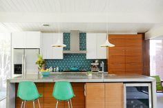 House Tour: A Colorful Fashion Designer's Crafty Cottage | Apartment Therapy