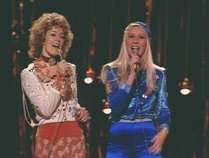 Der 61. Eurovision Song Contest 2016 findet in Schweden statt. Das ist ein Grund genug, um an die schwedische Erfolge beim Wettbewerb zu erinnern. Beginnen wir mit dem Jahr 1974, als die vier bis dato unbekannten Schweden, Björn & Benny, Agnetha & Anni-Frid, den Wettbewerb im englischen Brighton gewannen.