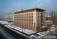 Kliknite pre zobrazenie veľkého obrázka Bratislava, Louvre, Building, Travel, Viajes, Buildings, Trips, Traveling, Tourism
