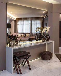 Um hall lindo como este é uma bela forma de dar boas vindas. Não é mesmo?! Amei! Projeto Andrea Buratto -  Me acompanhe também no @pontodecor e @maisdecor_ - www.homeidea.com.br Face: /homeidea Pinterest: Home Idea #homeidea #arquitetura #ambiente #archdecor #archdesign #projeto #homestyle #home #homedecor #pontodecor #homedesign #photooftheday #interiordesign #interiores #hall #picoftheday #decoration #revestimento #decoracao #architecture #archdaily #inspiration #project #regram #home…