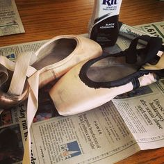how to dye pointe shoes black | Adventures in Juggling