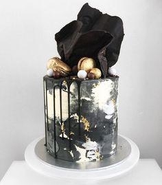 drip wedding cakes - on the Marrygrams Blog Elegant Birthday Cakes, Beautiful Birthday Cakes, Beautiful Cakes, Amazing Cakes, Cake Birthday, 30th Birthday Cakes For Men, Special Birthday, Birthday Ideas, Modern Cakes