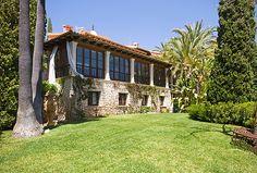 Finca in Lloseta, Mallorca mit reichlich Ruhe und Privatsphäre. Die traumhaft schöne Finca liegt in erhöhter Lage am Fuße des Tramontana-Gebirges und eignet sich hervorragend für Familien. Exzellente Verkehrsanbindung.   http://www.inmonova.com/de/property/id/618996-finca-lloseta-mallorca