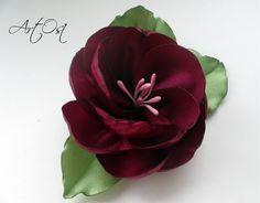 Всем привет! В этом видео будем делать красивый пышный цветок. Я покажу как сделать, а уж как его использовать решать вам)) Всем творческих успехов! Подписыв...