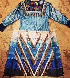 Native American Clothing, Native American Regalia, Native American Women, Native American Fashion, American Pride, Native Beading Patterns, Powwow Regalia, Jingle Dress, Ribbon Skirts