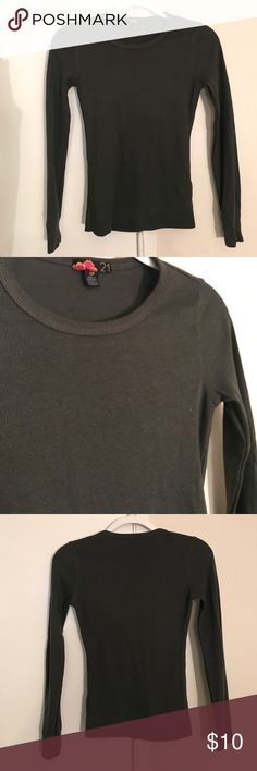 Forever 21 Thermal Great condition. Dark green color. No trades. Forever 21 Tops Tees - Long Sleeve