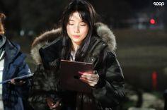 Cute Selfie Ideas, Nam Joohyuk, Joo Hyuk, Bae Suzy, Fur Coat, Winter Jackets, Actresses, Stars, Outfits