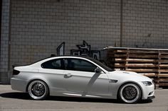 BMW M3 - sweetness My buddy ryan is going to customize his ride to look exactly like this and I'm going to be drooling the whole time lol..