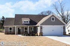 Exclusive Farmhouse with Tremendous Curb Appeal - thumb - 02