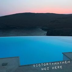 The surrender of the day takes our breath away #victoryandmayhem #sunset #surrender #breathlessmoments #beauty #fashionblogger #fashion #instagood #instalike #landscape #unreal
