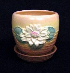 Hull Pottery Waterlily Flower Pot Weller Pottery, Hull Pottery, Pottery Art, Pottery Ideas, Vintage Pottery, Vintage Antiques, Antique Cars, Flower Frog, Flower Pots