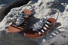 Craquez pour nos spartiates BIJOUX de Les Tropéziennes par M.Belarbi. Vous brillerez de jour comme de nuit !  #weshoptropeziennes Comme, Shoes, Fashion, Leather Jewelry, Sandals, Gladiator Sandals, Kitten Heels, Night, Moda