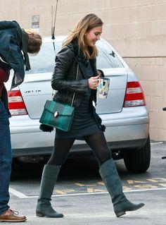 Jessica Alba Flat Boots - Jessica Alba Fashion Lookbook - StyleBistro
