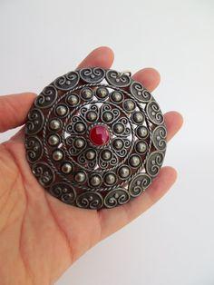 SALE Vintage Oval Medallion by RoniSeaVintage on Etsy, $12.00