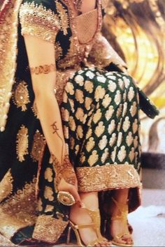 jewellery??? I love the dress n mehendi....uuffffhh