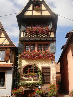 Dambach-la-Ville, Alsace, France - Caveau Nartz