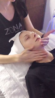 Facials customized to fit every client's skin type and concerns. Whether it is anti-aging, acne or just maintaining beautiful healthy skin, we can help! Spa Facial, Facial Yoga, Face Facial, Facial Scrubs, Facial Cleanser, Facial Masks, Massage Tips, Face Massage, Massage Therapy