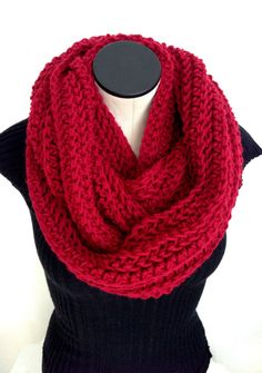 READY TO SHIP. Valentine Crochet Infinity scarf. by Africancrab, $35.00