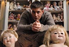 Playthings - In my opinion one of the creepiest episodes. I mean... DOLLS :/
