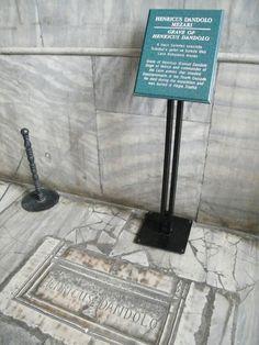 Tumba de Henricus Dandolos (Enrico Dandolo) en la iglesia Santa Sofía Inferno Dan Brown, Islam, Saints, Hagia Sophia, Istanbul