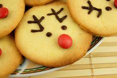 Simpaticissimi biscotti per le feste che faranno impazzire tutti: le renne di Natale, semplici e divertenti per una merenda o una colazione