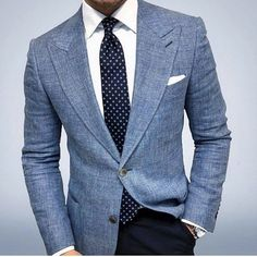 Men's fashion 2019 offers many choices for everyone to produce their own style for work, business meetings or only casual get-togethers. Gentleman Mode, Gentleman Style, Gentleman Fashion, Light Blue Blazers, Light Blue Blazer Mens, Blazer Outfits Men, Blue Blazer Outfit Men, Blazer Outfits Casual, Men Blazer