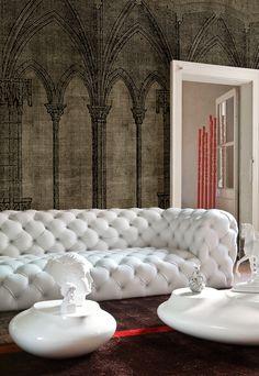 Living room interior design & decor / white leather tufted sofa & Gothic wallpaper- Tuba TANIK