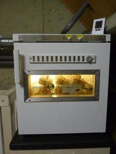 Freezer Incubator Homemade Cabinets, Homemade Incubator, Hatching Chickens, Chicken Incubator, Chicken Eggs, Poultry, Freezer, Creatures, Decor