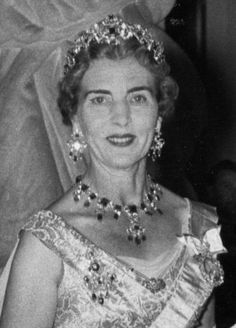 Royal Jewels of the World Message Board: Re: Danish Queen Margrethe to Mark 40 Years On Throne - Official portraits Royal Tiaras, Tiaras And Crowns, Landed Gentry, Christian Ix, Maria Feodorovna, Danish Royalty, Princess Alexandra, Oldenburg, Royal Jewelry