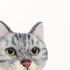 お久しぶりのリアル系猫🐈  - - - - - - -  定期的にくる、自分が作りたい猫はなんぞや?病で絶賛迷子中💭  でも結局のところ、どんな猫でも作るの楽しいから、このまま漂いつつも辿り着けるように頑張ります。  #cat #neko #needlefelt #needlefelting #felt #felted #felting #woolfelt #woolfeltcat #handmade #羊毛フェルト #ニードルフェルト  20180512