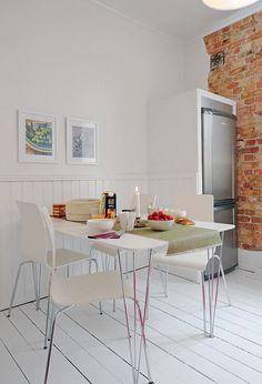 comedor cocina : Cocina Blanca y Moderna con un Toque Rústico